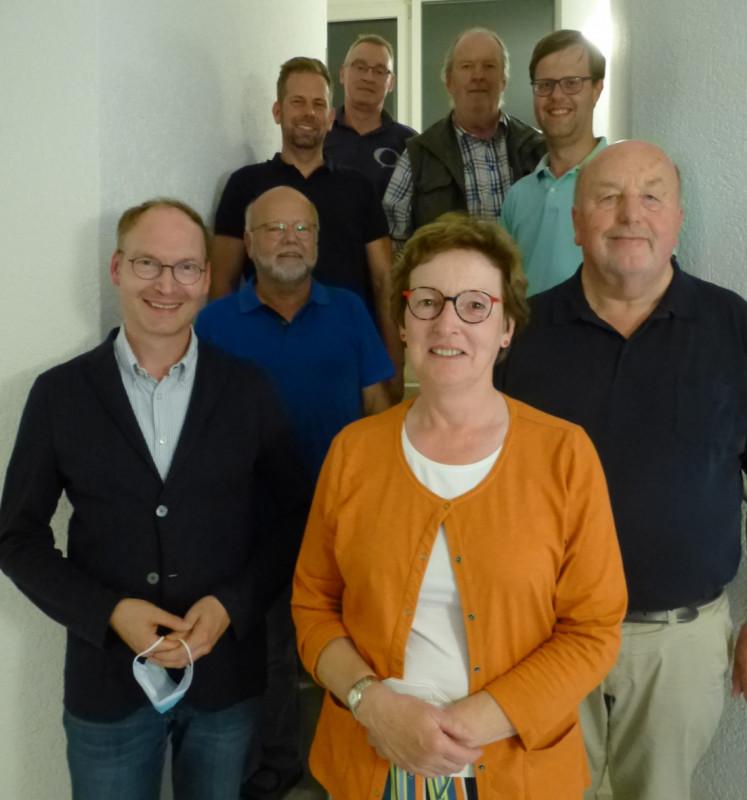 Neuer CDA-Chef ist V. Merschhemke (l. u.), neben ihm die bisherige Vorsitzende U. Fascher sowie Pressesprecher N. Hagemann. In der 2. Reihe G. Hoffmann sowie oben v.l. Schriftführer T. Eickelberg, C. Heßling, B, Werner und Mitgliederbeauftragter C. Rölver