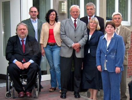"""v. l. M. Kadlec und B. König von der isb ambulante Dienste gGmbH in Coesfeld informierten CDU–Sozialpolitiker im Rahmen ihrer Gesprächsreihe """"Sozialpolitik vor Ort"""" über einen der bundesweit größten Anbieter in der ambulanten Kranken– und Behindertenhilfe"""