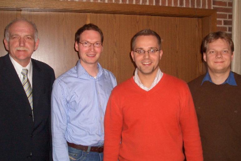 vlnr: MDL Bernhard Schemmer (Reken), stellvertr. CDU-Kreisvorsitzender Valentin Merschhemke (Coesfeld), Kreisvorsitzender der JU Borken Thomas Kerkhoff (Velen-Ramsdorf), Vorsitzender der JU Münsterland Sven Volmering (Bocholt)