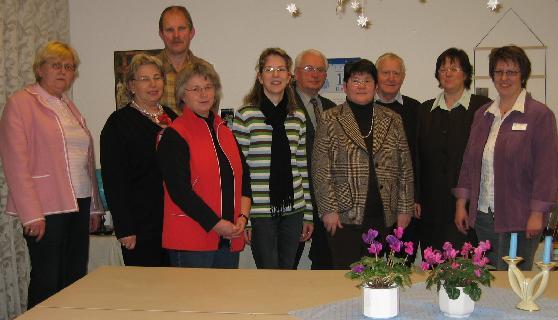 rechts außen Dorothea Behr, Leitern des Ev. Altenhilfezentrums, hinten links Ralf Koritko, davor Hildegard Kuhlmann vom Diözesancaritasverband Münster.