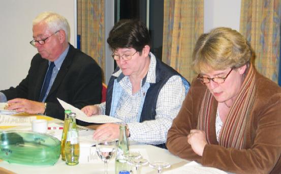 Willi Wessels Anni Willms Marie Theres Kastner informierten im Forum Soziales