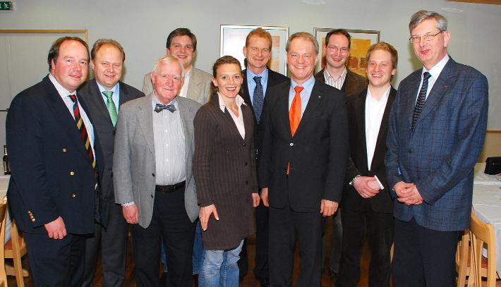 Unser Bild zeigt die Experten zusammen mit CDU-Vorsitzendem Werner Jostmeier, seinen Stellvertretern Valentin Merschemke und Elke Müller sowie MdB Karl Schiewerling.