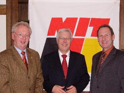 Von links: Kreistagsmitglied Dr. Josef Gochermann, Kreisvorsitzender und Kandidat für den Bundesvorstand Uwe Kombrink, Geschäftsführer der wfc, Dr. Jürgen Grüner.