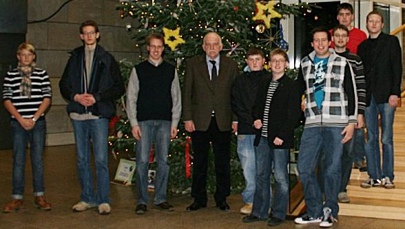 Bernhard Schemmer (4. v. l.) und die Besuchergruppe der Jungen Union