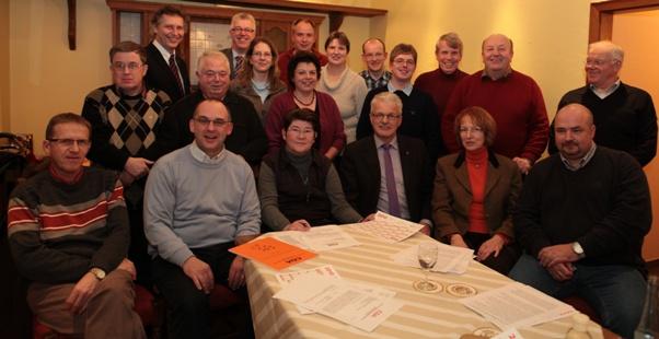 Günther David, Kreisvorsitzender Roland Hericks, CDA Landesvorstandsmitglied Anni Willms, CDA Bezirksvorsitzender Bernhard Tenhumberg MdL und direkt dahinter Margret Lütke Scharmann.