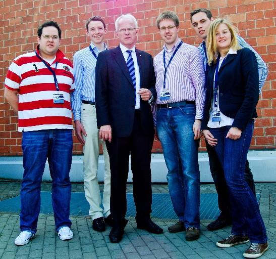 v.l.: JU-Bundesvorstandsmitglied Henrik Bröckelmann, Ministerpräsident Jürgen Rüttgers, JU-Kreisvorsitzender Christoph Wäsker, Tobias Jercha, Lydia Vinnemann