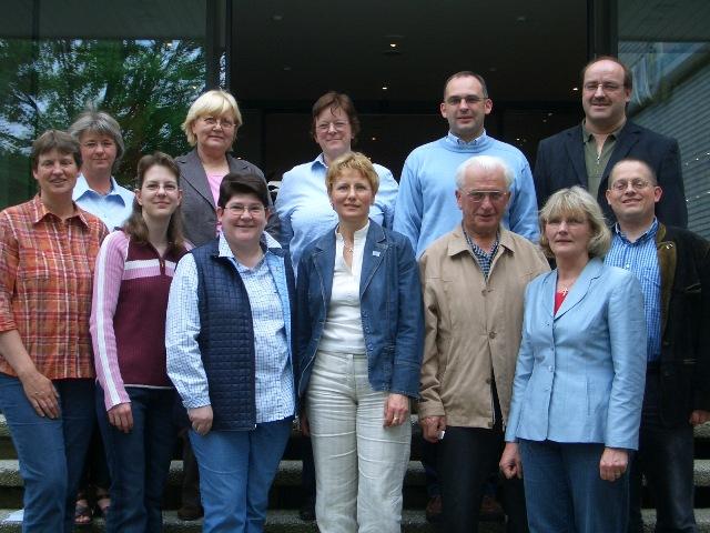 Frau Körwien vom Medizinischen Dienst der Krankenversicherungen ( Bildmitte) informierte den CDU- Arbeitskreis Zukunft der Pflege über die Strukturen und Aufgaben des MDK im St. Barbara - Haus in Dülmen