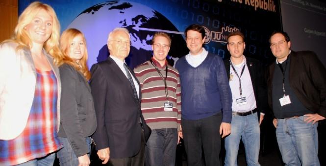 V. l. n. r.: Barbara Vinnemann, Lydia Vinnemann, Ministerpräsident a. D. Edmund Stoiber, Christoph Wäsker, Philipp Mißfelder MdB, Tobias Jercha und Henrik Bröckelmann