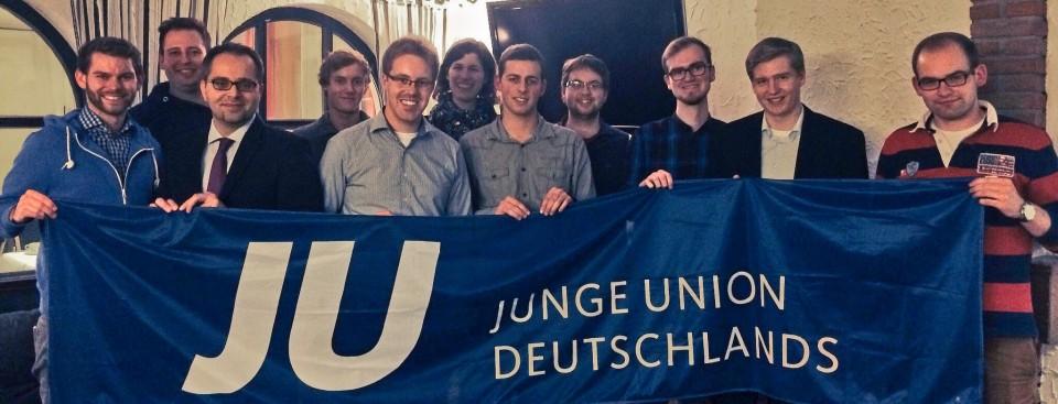 Der neue Kreisvorstand mit Florian Braun (1. v.l.), Thomas Kerkhoff (Bezirksvorsitzender, 3. v.l.) und Christoph Wäsker (5. v.l.).