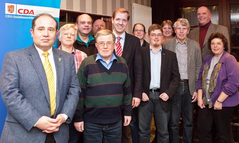 Der neu gewählte CDA-Kreisvorstand mit dem CDU-Landratskandidaten Dr. Christian Schulze Pellengahr (6. v. l.).