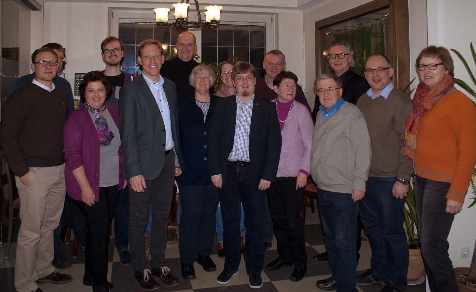 Der neue CDU-Bundestagskandidat Marc Henrichmann (5. v. l.) überzeugte den CDA-Kreisvorstand mit seinen politischen Schwerpunkten. Die CDU-Sozialpolitiker sagten ihm volle Unterstützung zu.