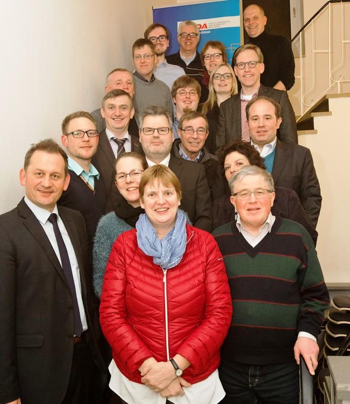 Der neu gewählte CDA-Kreisvorstand u. a. mit seinen Gästen Wilhelm Korth, Dietmar Panske und Marc Henrichmann.