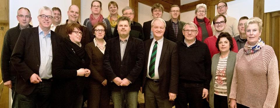 Als besonderen Gast war Landtagsabgeordneter Werner Jostmeier (Mitte vorne) zu Gast beim Kreisvorstand der CDA rund um den Vorsitzenden, Jan Willimzig (Mitte hinten).