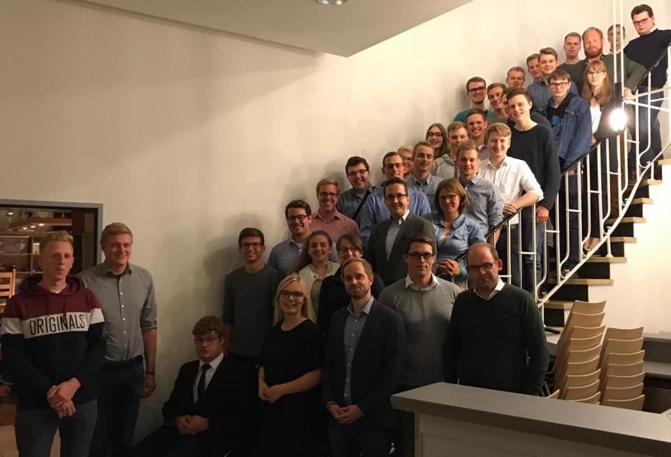 Gäste und Mitglieder der Jungen Union im Kreis Coesfeld freuten sich über eine gelungene Jahreshauptversammlung.